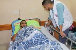 السلامة الخيرية تواصل زياراتها لجرحى انتفاضة القدس